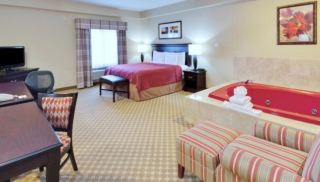 Suite with Whirlpool in Country Inn & Suites by Radisson, Absecon (Atlantic City) Galloway