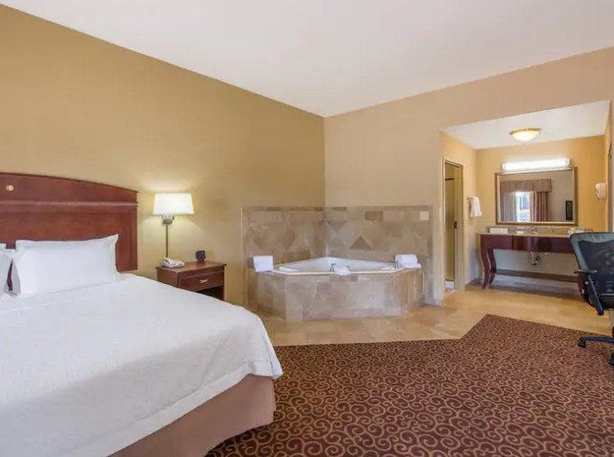 Suite with in-room Whirlpool in Hampton Inn & Suites Oklahoma City - South hotel