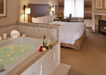 Jacuzzi room in Silver Cloud Inn - Seattle Lake Union, WA