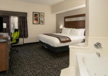 Jacuzzi room in Wingate by Wyndham Memphis, TN