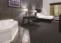 Room with Jacuzzi in La Quinta by Wyndham Austin - Cedar Park, TX