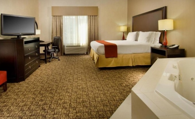 Suite with Jacuzzi in the room in Holiday Inn Express & Suites Alexandria - Fort Belvoir near Washington DC