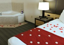 Jacuzzi suite in Country Inn & Suites by Radisson, Fairborn South, near Dayton, Ohio