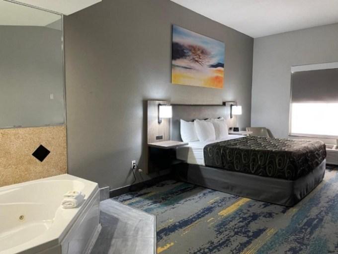 Hot tub suite in La Quinta by Wyndham Tampa Central hotel, Florida
