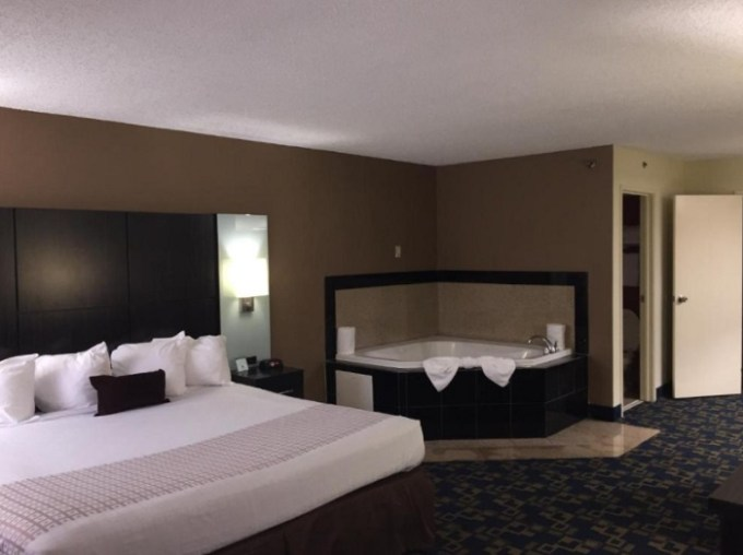 Room with a whirlpool tub in Best Western Southside Hotel & Suites in Jacksonville, Florida