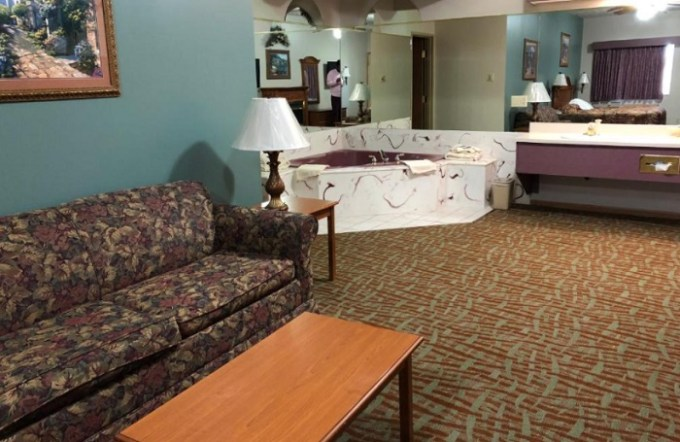 A Suite with Whirlpool in Countryside Suites Omaha, NE