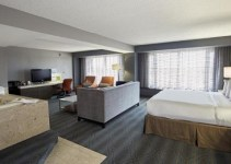 Jacuzzi suite in DoubleTree by Hilton Bloomington Minneapolis South, MN