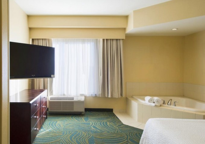 Whirlpool room in SpringHill Suites by Marriott Omaha East, Council Bluffs, IA Hotel, NE