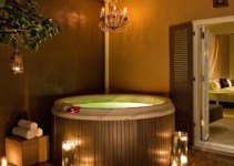 A Jacuzzi suite in W New Orleans - French Quarter Hotel