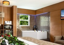 Suite with Jacuzzi in the room in Royal Beach Palace, Fort Lauderdale, Florida