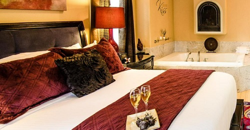 Romantic room with a hot tub in Inn at Parkside, Sacramento, California