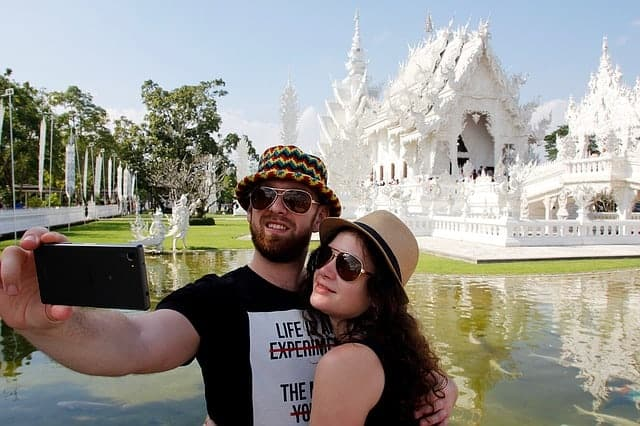 How to take Selfies as a Couple