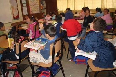 Profesorii vor să denunţe în instanţă Ministerul Educaţiei din România