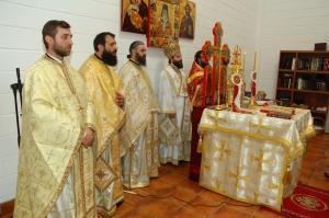 """La Coslada – Hram şi sfinţire de altar la biserica """"Sfântul Nectarie Taumaturgul"""""""