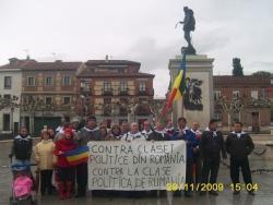 Alcalá de Henares: Românii şi Cervantes protestează împotriva politicii din România