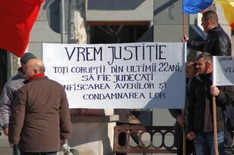 Mitinguri impotriva clasei politice romanesti in Alcala de Henares