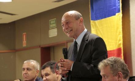 Băsescu a adunat 100 de români la Coslada