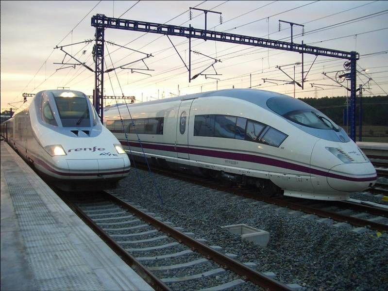 Un furt de cablu ține pe loc trenurile AVE Madrid – Barcelona