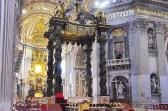O baldaquino na Basílica de São Pedro