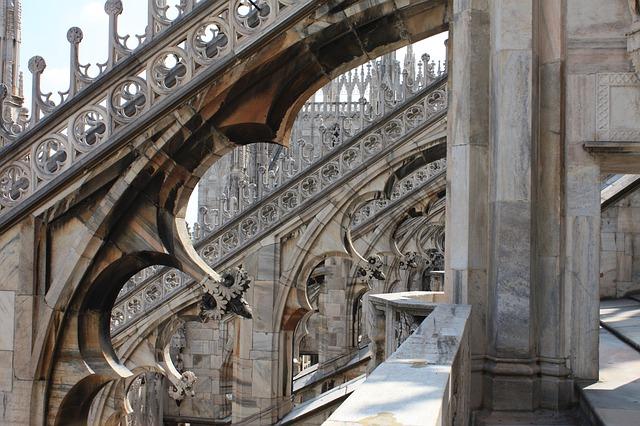 Detalhe do teto do Duomo de Duomo de Milão
