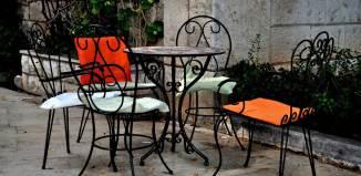 Bar con tavoli all'aperto a Roma