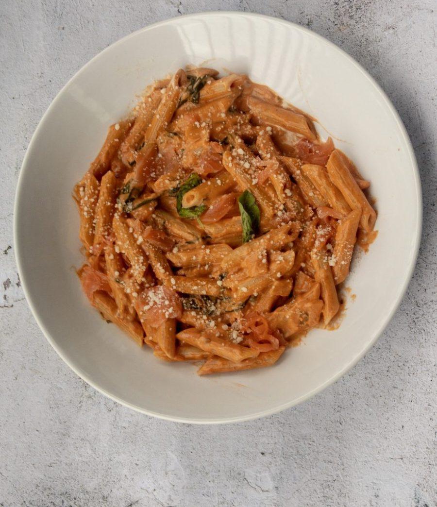 Creamy salmon and spinach pasta recipe
