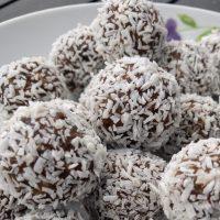Four Ingredients Protein Balls