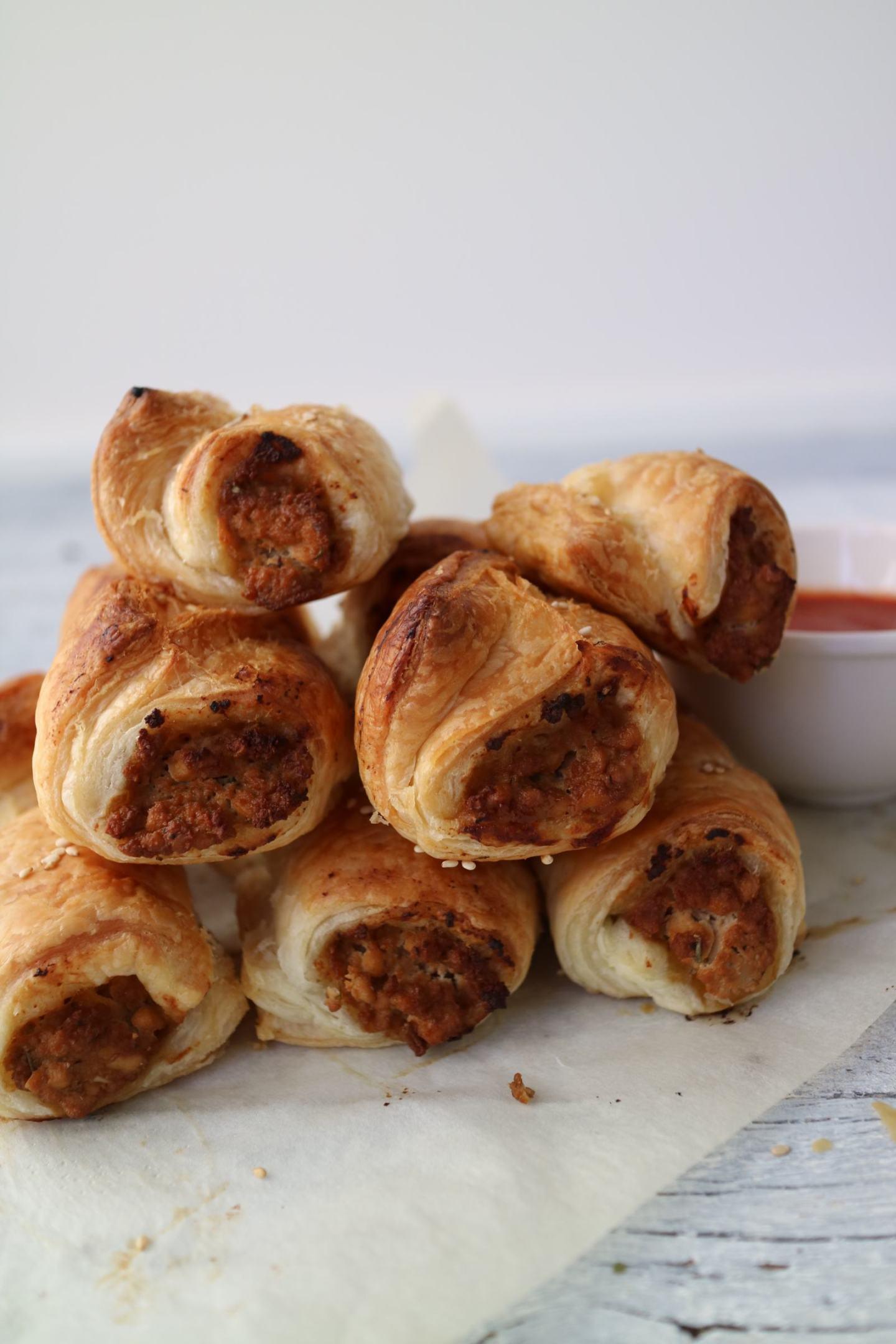 Easy Vegan Mini Sausage Rolls
