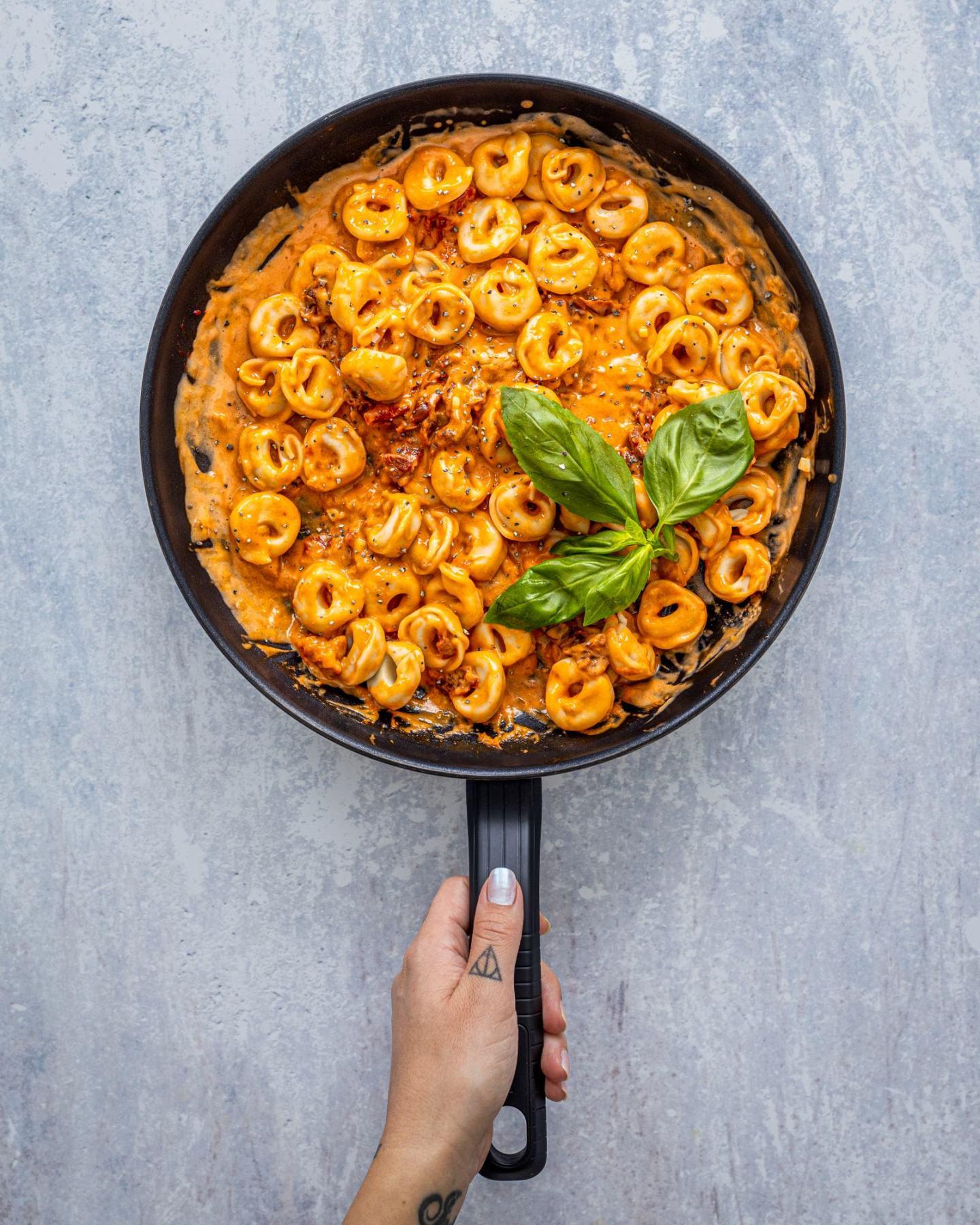 Creamy Sun-Dried Tomato Pasta - Vegan Tortellini