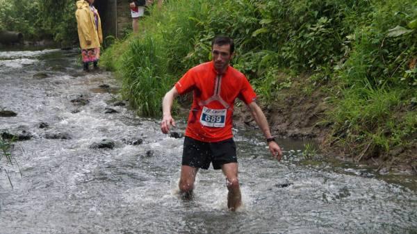 Greg dans la rivière