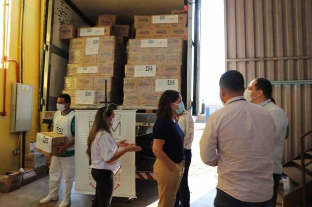 JBS entrega caminhão com 16 toneladas de EPIs para Prefeitura de ...