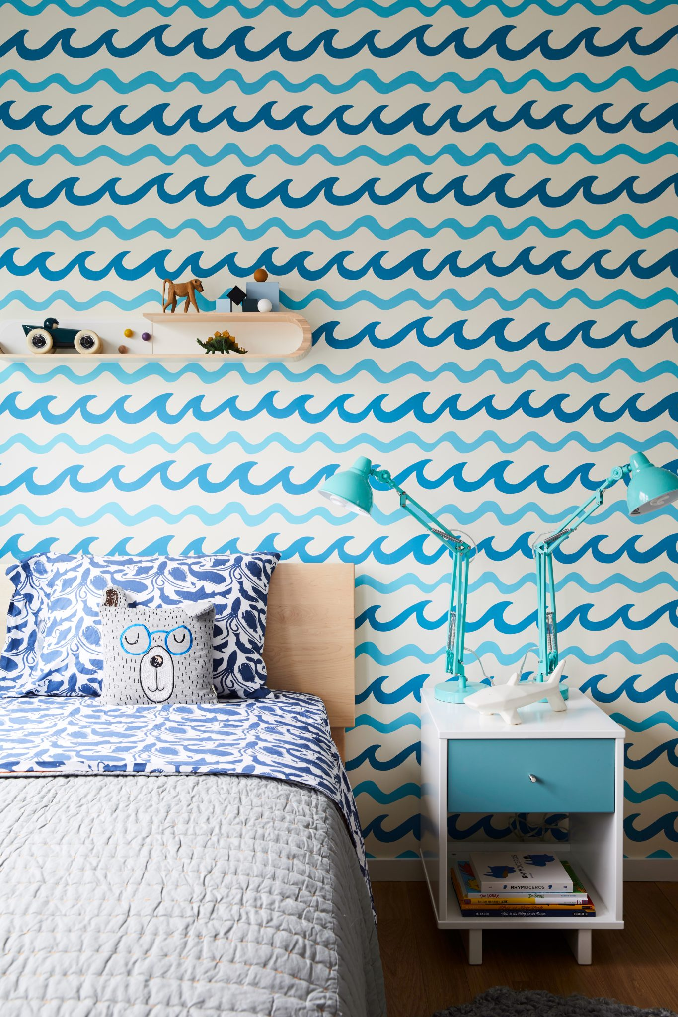 Boys beach bedroom with aimee wilder wallpaper and rafa shelves
