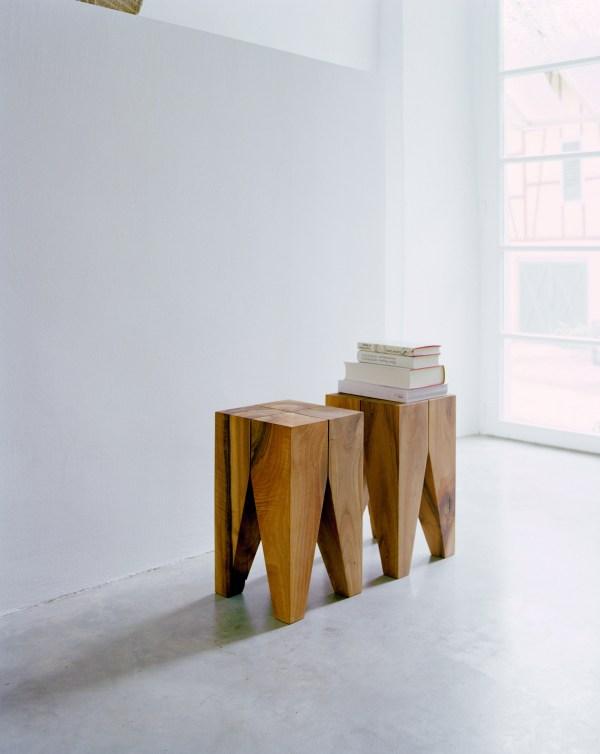 E15 Backenzahn stool
