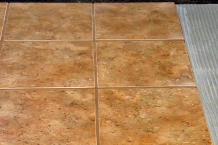 how to lay ceramic tile over plywood