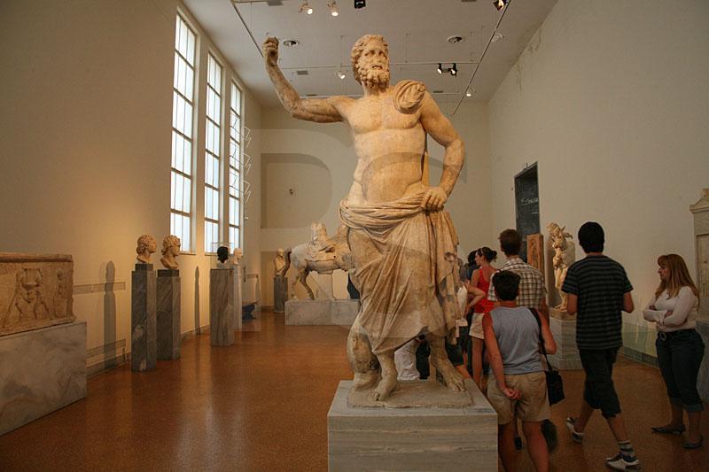 https://i2.wp.com/www.ronsaari.com/stockImages/greece/AthensArchaeologicalMuseumInterior.jpg