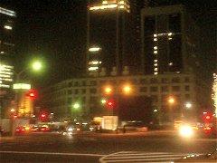 昨年末の東京中央郵便局。人影もなく真っ暗