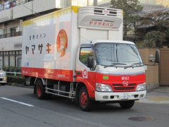 山崎パンのトラック