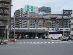 振り返れば新幹線と東京モノレール