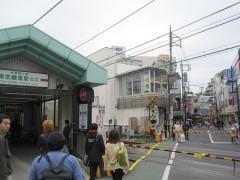 東武練馬駅前の踏切