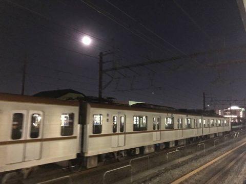人身事故で留め置かれた列車