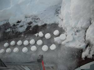 Ice Dam Melting Pucks