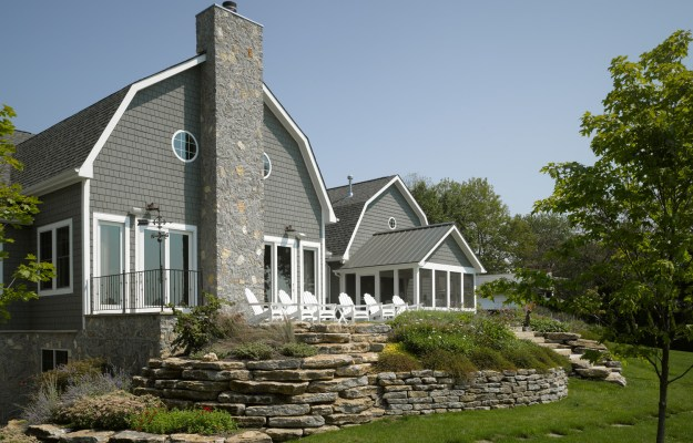 fiber-cement-siding-on-gambrel-house