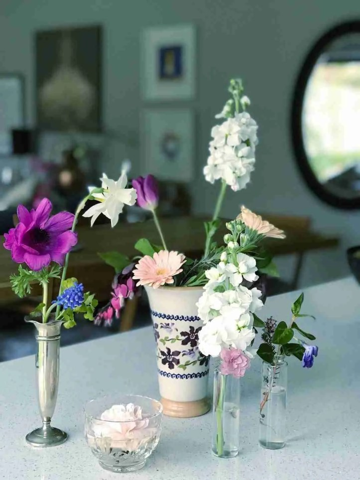 bud vase posies Living with Flowers Rowan Blossom book review Roomy Home UK