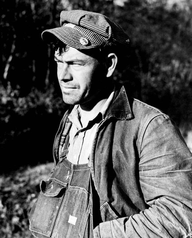 Union organizer working tobetter conditions of tiff miners. Washington County, Missouri. 1939.