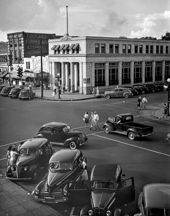 Saturday afternoon in TVA town.Florence, Alabama. 1942.