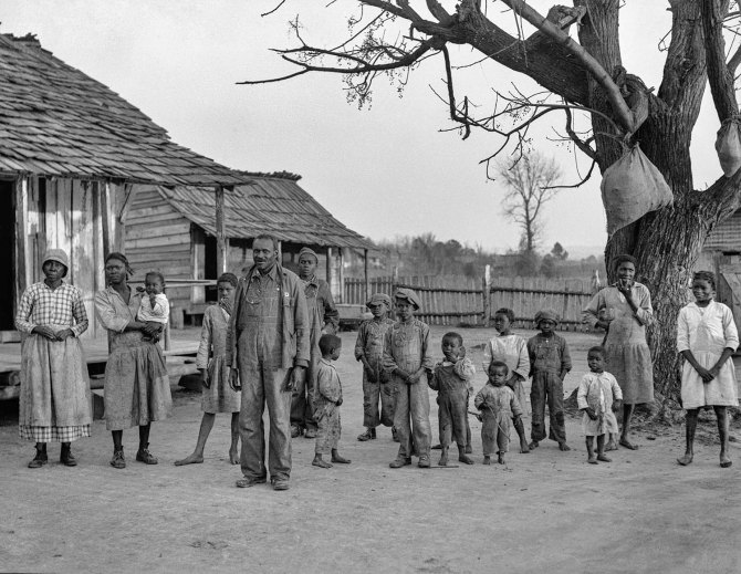 Descendants of former slaves of the Pettway Plantation, living there under primitive conditions. Gees Bend, Alabama 1937