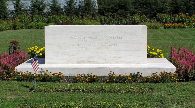 FDR grave at Hyde Park