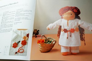 """""""Mes vêtements de poupées"""" von Véronique Chermette"""