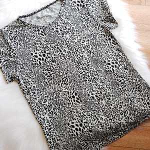Camiseta Animal Print Gris