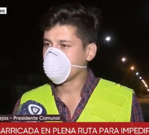 El presidente comunal de Correa aclaró que vecinos y proveedores pueden pasar.